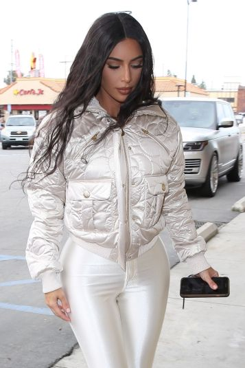 Kim Kardashian in CHANEL Coco Neige-2