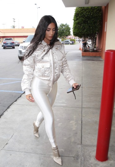 Kim Kardashian in CHANEL Coco Neige-3
