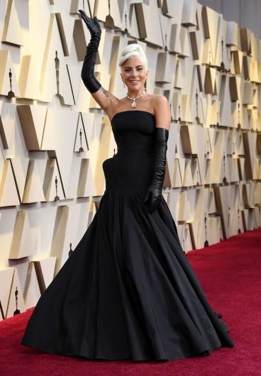 Lady Gaga in Alexander McQueen-5