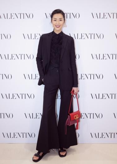 Liu Wen in Valentino Spring 2019-1