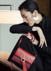 Liu Wen in Valentino Spring 2019-10