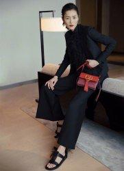 Liu Wen in Valentino Spring 2019-9