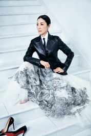 Michelle Yeoh ELLE US February 2019-7