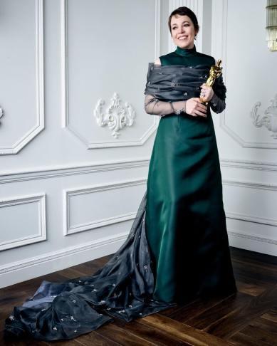 Olivia Colman in Prada-4