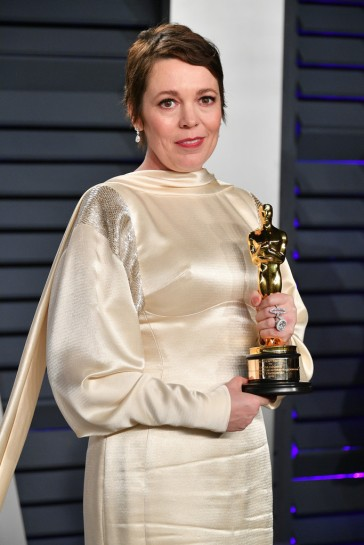 Olivia Colman in Stella McCartney-1