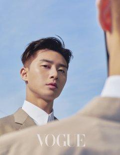 Park Yong-kyu for Vogue Taiwan April 2019-3