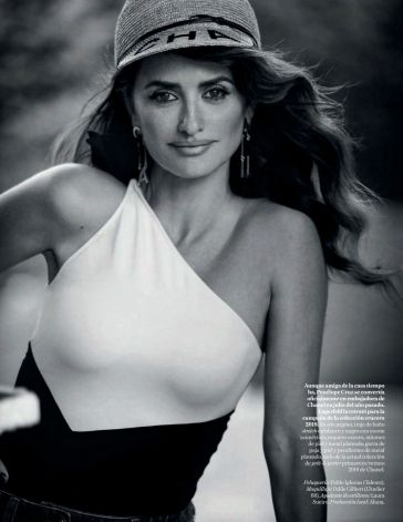 Penélope Cruz Vogue Spain April 2019-10