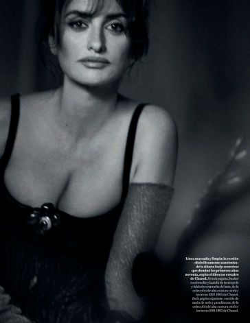 Penélope Cruz Vogue Spain April 2019-11