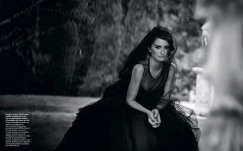 Penélope Cruz Vogue Spain April 2019-15