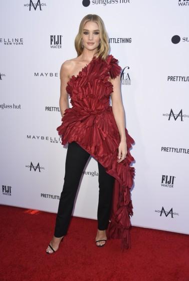 Rosie Huntington-Whiteley in Oscar de la Renta Fall 2019