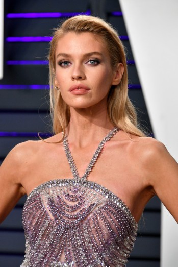 Stella Maxwell in Atelier Versace Fall 2018 Couture-3