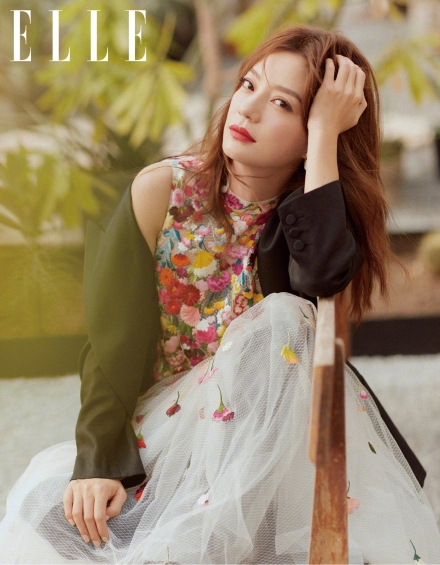 Zhao Wei for ELLE China April 2019-1