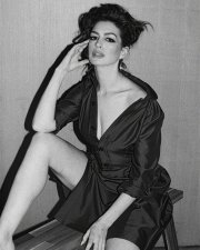 Anne Hathaway for Marfa Journal SS 2019-3