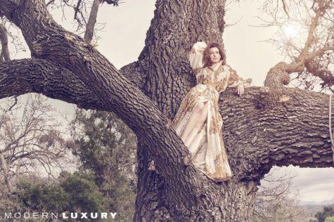 Anne Hathaway Modern Luxury April 2019-4