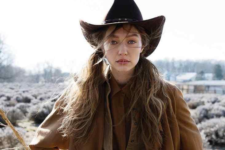 Gigi Hadid Vogue Czechoslovakia May 2019-6