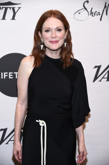Julianne Moore in Chloé Spring 2019-1