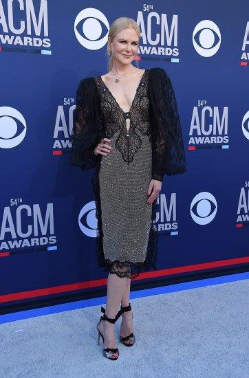 Nicole Kidman in Christopher Kane Fall 2019-1