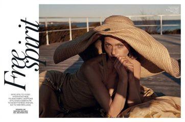 Sasha Pivovarova for Vogue Greece May 2019-1