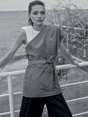 Sasha Pivovarova for Vogue Greece May 2019-15