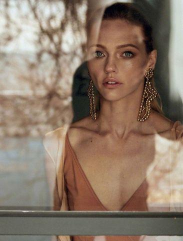 Sasha Pivovarova for Vogue Greece May 2019-3