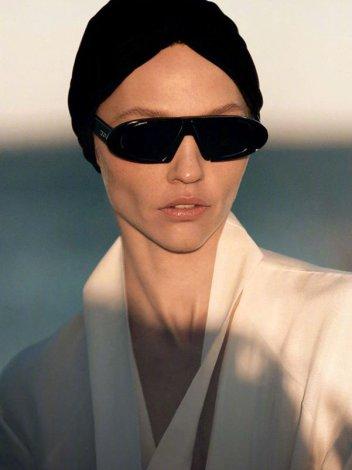 Sasha Pivovarova for Vogue Greece May 2019-5