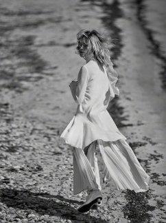 Sasha Pivovarova for Vogue Greece May 2019-9