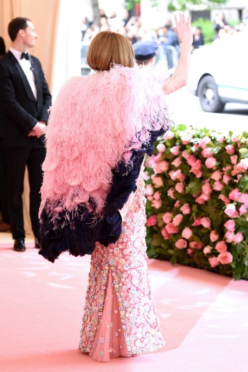 Anna Wintour in Chanel Spring 2019 Couture-4