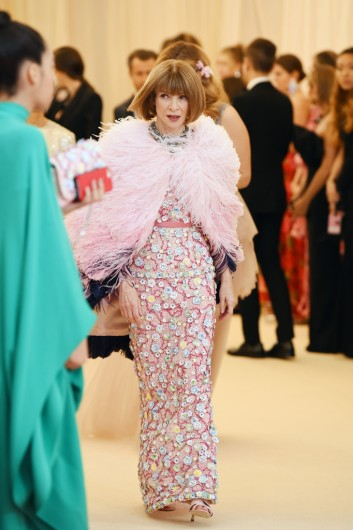Anna Wintour in Chanel Spring 2019 Couture-6