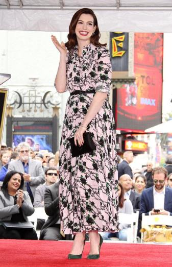 Anne Hathaway in Valentino Fall 2019-4