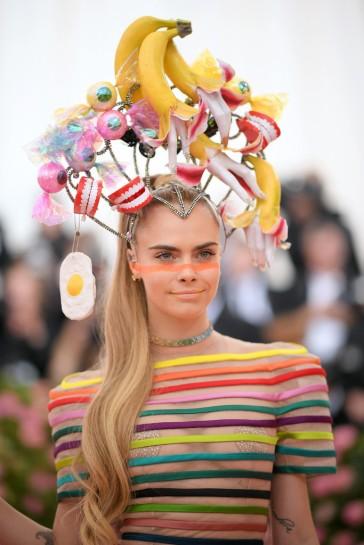 Cara Delevigne in Dior Spring 2019 Couture-3