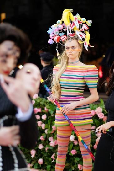 Cara Delevigne in Dior Spring 2019 Couture-5