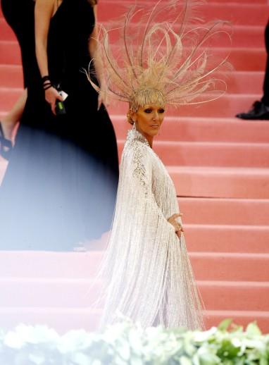 Celine Dion in Oscar de la Renta-3