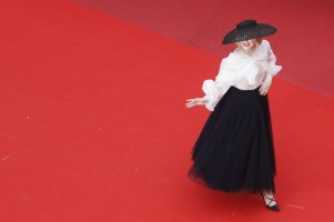 Elle Fanning in Dior-13