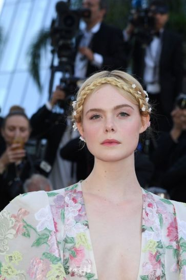 Elle Fanning in Valentino Spring 2019 Couture-2