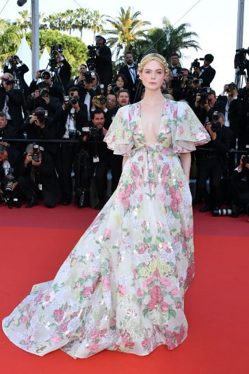 Elle Fanning in Valentino Spring 2019 Couture-6