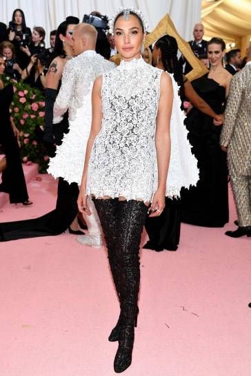 Gal Gadot in Givenchy Spring 2019 Couture-2