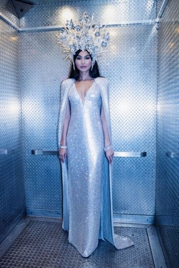 Gemma Chan in Tom Ford-7