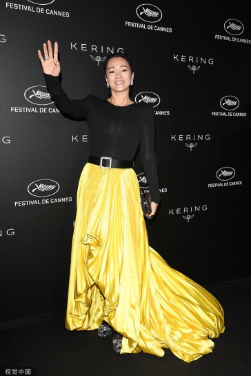 Gong Li in Alexandre Vauthier Fall 2018 Couture-8