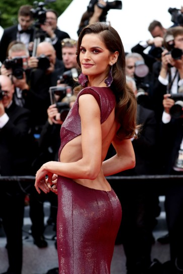 Izabel Goulart in Etro-1