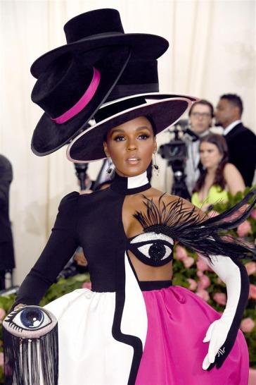 2019 Metropolitan Museum of Art Costume Institute Benefit Gala-Camp:Notes on Fashion