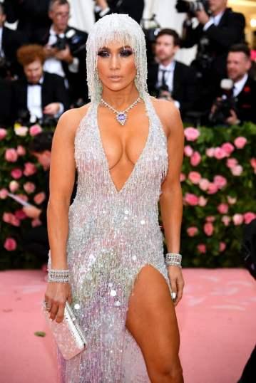Jennifer Lopez in Atelier Versace-2