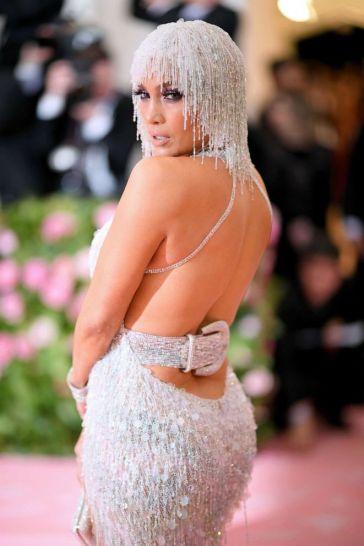 Jennifer Lopez in Atelier Versace-5