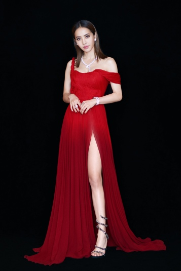 Jolin Tsai in Oscar de la Renta Spring 2019-1