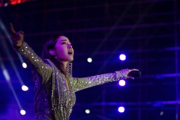 Jolin Tsai in Raisa&Vanessa Fall 2019-16