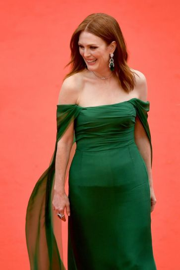 Julianne Moore in Dior-5