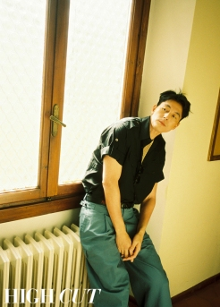 Jung Woo-sung HIGH CUT May 2019-3