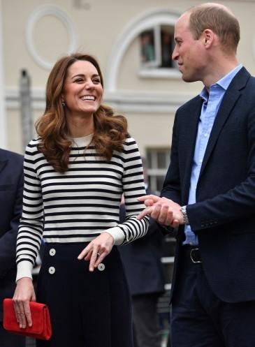 Kate Middleton in JoosTricot & L.K.Bennett-3