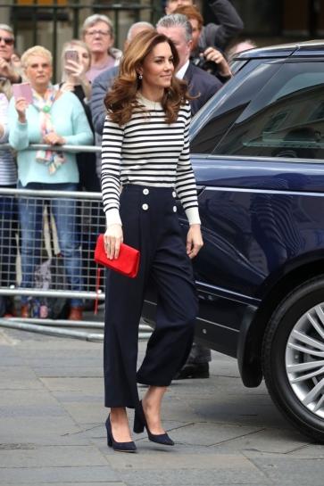 Kate Middleton in JoosTricot & L.K.Bennett-8