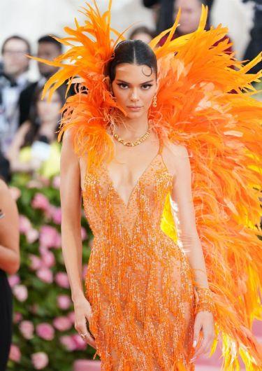 Kendall Jenner in Atelier Versace-1