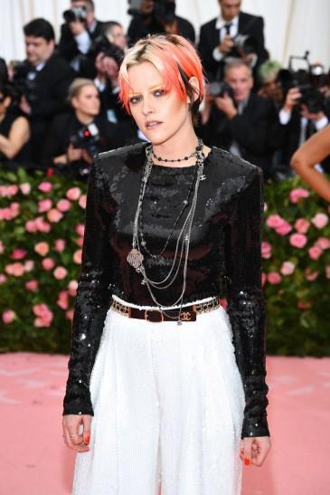 Kristen Stewart in Chanel-1